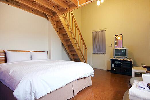樓中樓4人房 - 紫色蝌蚪