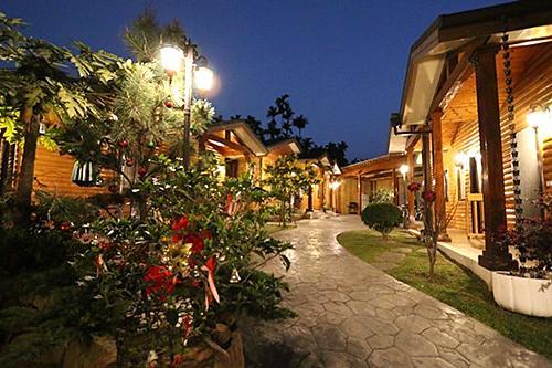 夏威夷館獨棟-小木屋夜景