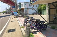 店於石岡情人木橋對面