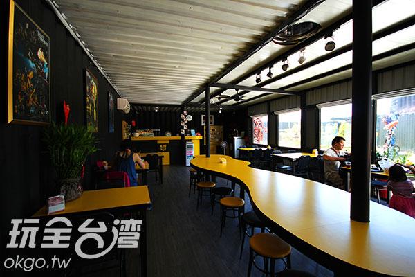 室內飲食空間採黃色系為主色調,色彩明亮、簡潔,帶給人好心情/玩全台灣旅遊網攝