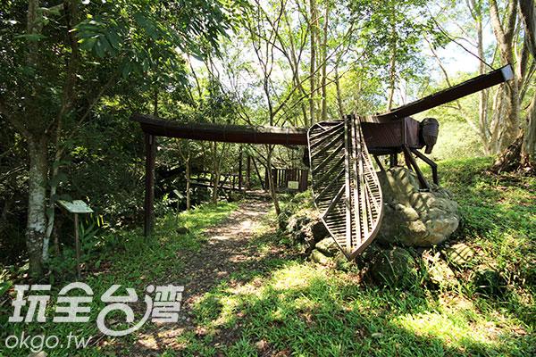 活靈活現的蜻蜓藝術品/玩全台灣旅遊網攝