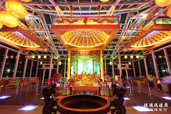 玻璃廟主殿/台灣玻璃館提供