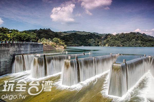 如遊客眾多,兩邊皆可拍攝相同角度/玩全台灣旅遊網特約記者陳健安攝