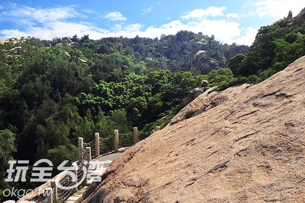 遼闊的山景盡收眼底/玩全台灣旅遊網攝