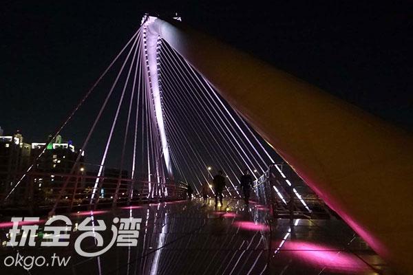四座景觀橋之冠–浪漫情人橋/玩全台灣旅遊網特約記者楊昌林攝