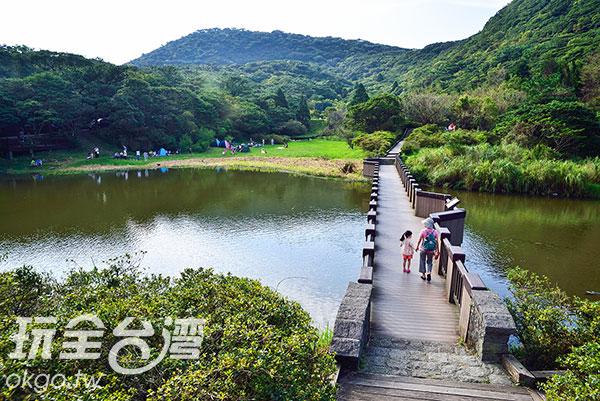 公園內的天然湖泊,大屯自然公園便是依此為基礎而生/玩全台灣旅遊網特約記者奈奈攝