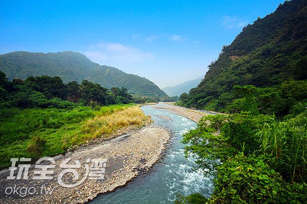 美麗的溪水流洩出與世隔絕的靜謐/玩全台灣旅遊網攝