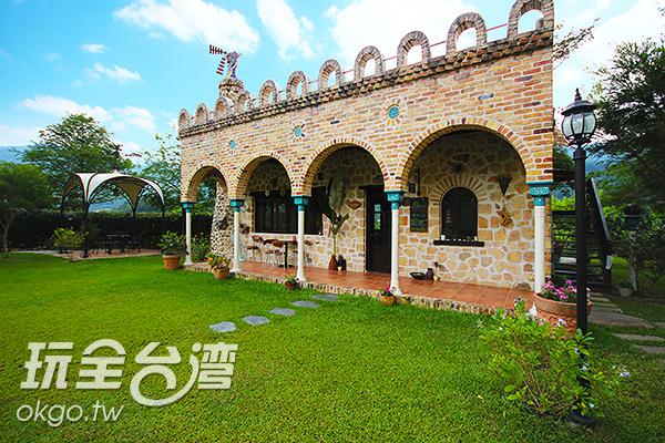 魔法咖啡屋的特殊外觀/玩全台灣旅遊網攝