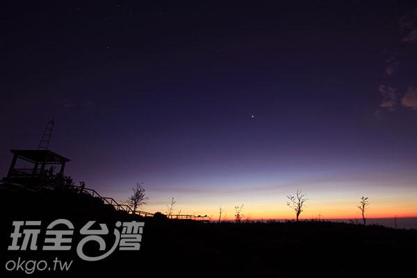 觀霧亭上的日落風光/玩全台灣旅遊網攝