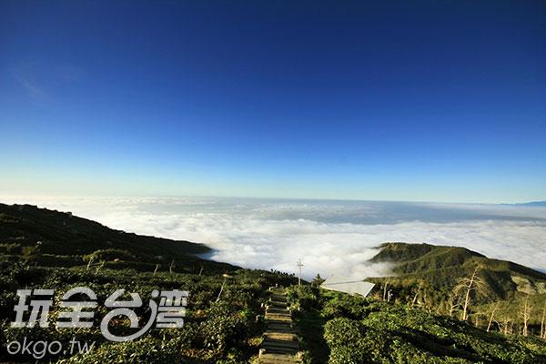 雲霧縹緲的秀麗景色/玩全台灣旅遊網攝