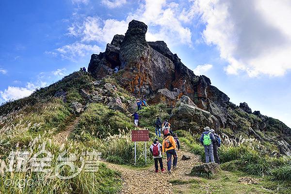 通往茶壺山山頂的最後一段陡坡/玩全台灣旅遊網特約記者奈奈攝
