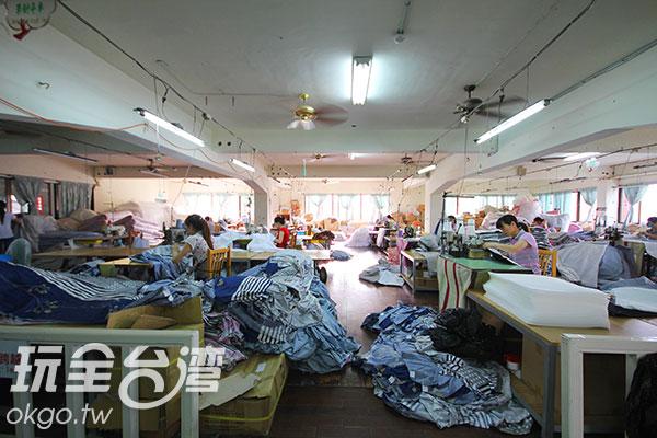 工廠內的針車區/玩全台灣旅遊網攝