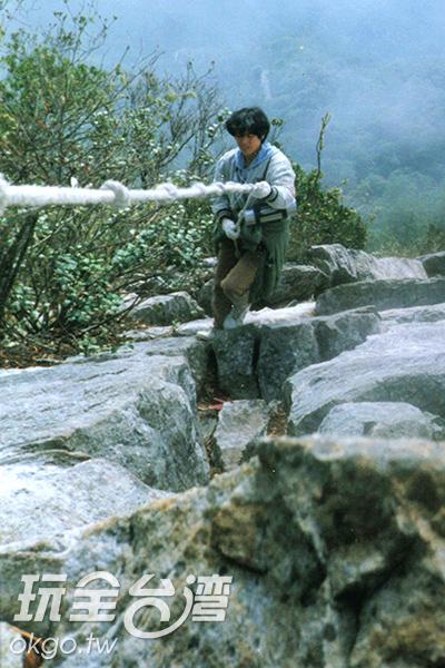 民眾最愛攀爬的鳶嘴山,山壁陡峭/特約記者楊昌林攝