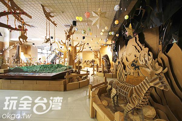 內部的紙箱動物園好生動繽紛,大人孩子都充滿驚奇/玩全台灣旅遊網攝