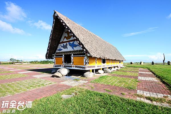 海濱公園充滿原民色彩的小屋/玩全台灣旅遊網攝