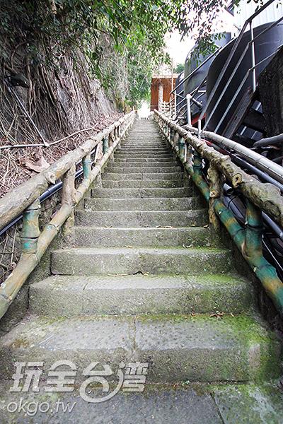一眼無法望盡的「好漢坡」是個考驗意志的挑戰/玩全台灣旅遊網攝