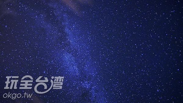 東莒島的夜空,星星灑了滿滿一夜/玩全台灣旅遊網攝