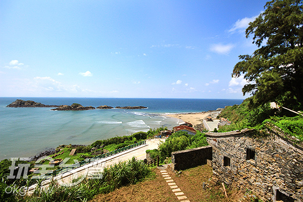 到達頂端後那一片的碧海藍天使人心情舒暢/玩全台灣旅遊網攝