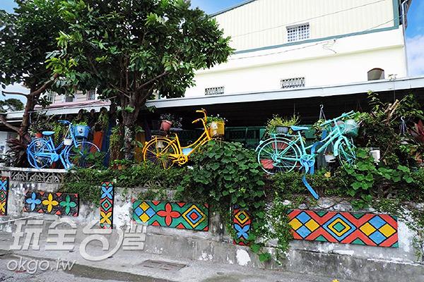 可愛的彩繪腳踏車與圖騰/玩全台灣旅遊網特約記者李宥歆攝