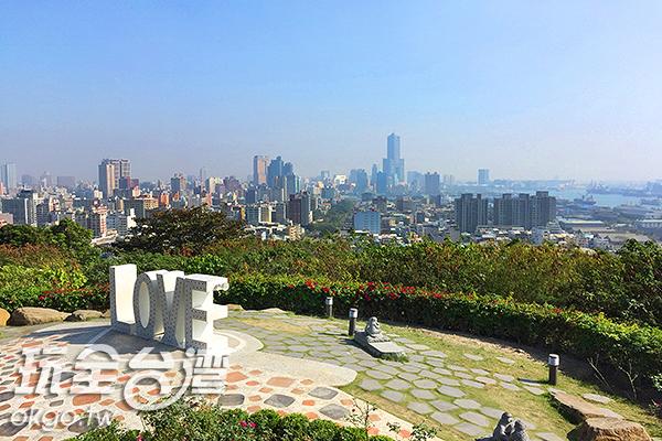 新建的情人觀景台擁有極佳視野/玩全台灣旅遊網攝