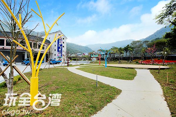 不論是戶外或是市內都很適合拍照喔/玩全台灣旅遊網攝
