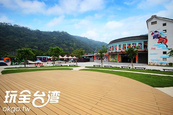 木製舞臺假日將用來舉辦劇場活動和動漫主題季/玩全台灣旅遊網攝