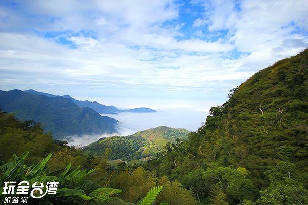 爬上二沿平步道後可俯瞰整個嘉義平原/玩全台灣旅遊網攝