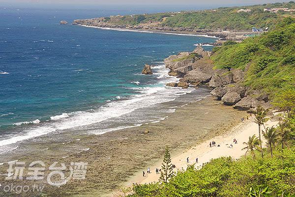 看著綿延的海岸線,心胸都開闊了/玩全台灣旅遊網特約記者陳健安攝