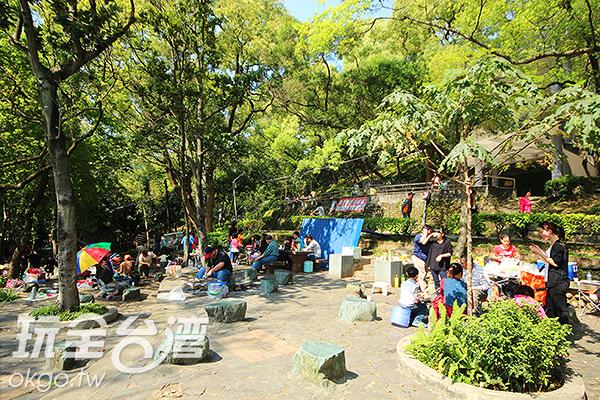 公園內還有寬敞的空間可供烤肉/玩全台灣旅遊網攝