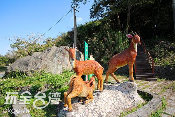 登山口的山羊雕塑品說明了「山羊古道」的命名原由/玩全台灣旅遊網攝