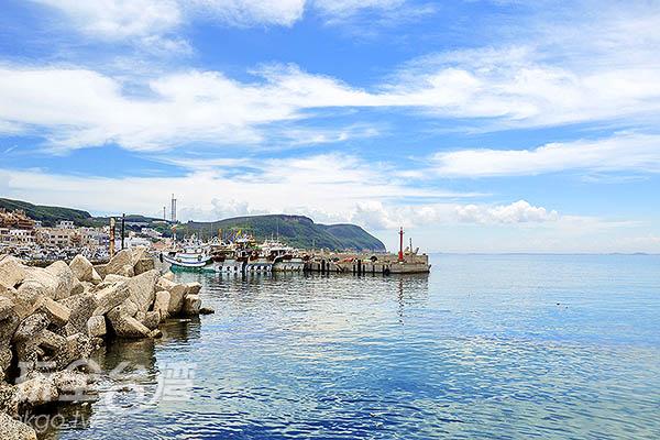透徹的海緊連著湛藍的天/玩全台灣旅遊網特約記者陳健安攝