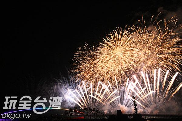 由來自各國的煙火團隊各自發揮創意,照亮澎湖夜空/玩全台灣旅遊網攝
