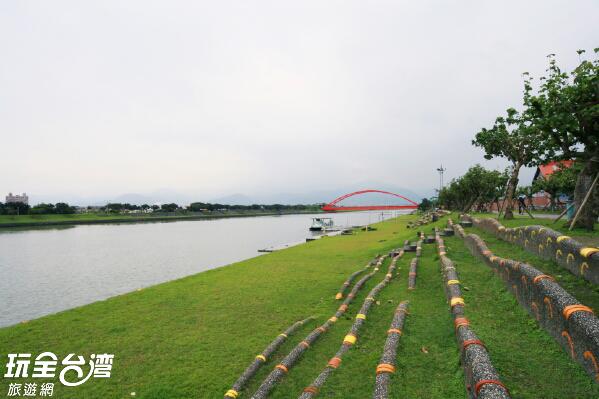 親水公園內設施完善/玩全台灣旅遊網攝