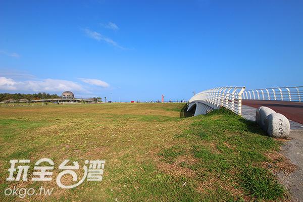 海天一線的美景讓人流連忘返/玩全台灣旅遊網攝