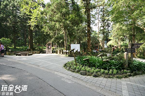 可以準備點心來這裡野餐補充能量/玩全台灣旅遊網攝
