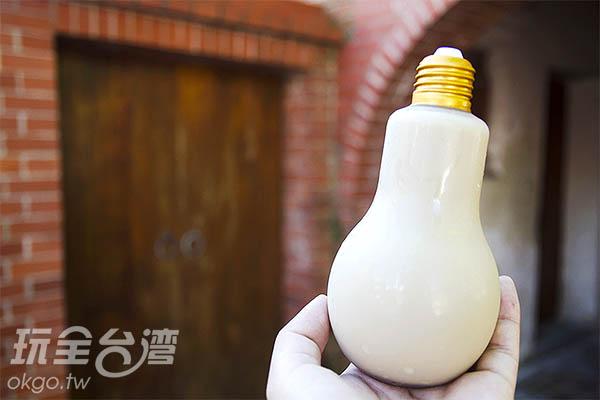 意外發現燈泡奶茶/玩全台灣旅遊網特約記者陳健安攝