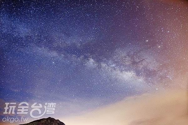 一道銀河劃破了觀景窗/玩全台灣旅遊網特約記者陳健安攝