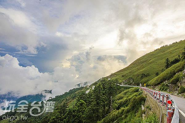號稱台灣最美的高山公路/玩全台灣旅遊網特約記者陳健安攝