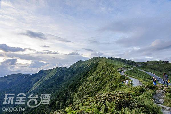 大步邁前,登上合歡上步道/玩全台灣旅遊網特約記者陳健安攝