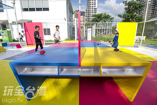 看似正常的乒乓球桌/玩全台灣旅遊網特約記者陳健安攝