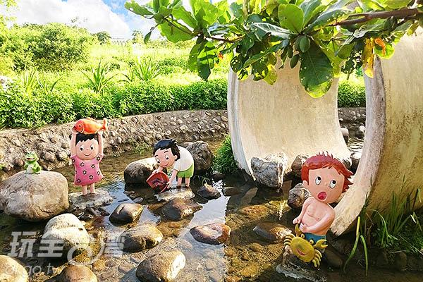 還記得小時候到住家附近小溪挽起褲管打赤腳玩水抓魚抓青蛙的景象嗎?/玩全台灣旅遊網特約記者蔡忻容攝