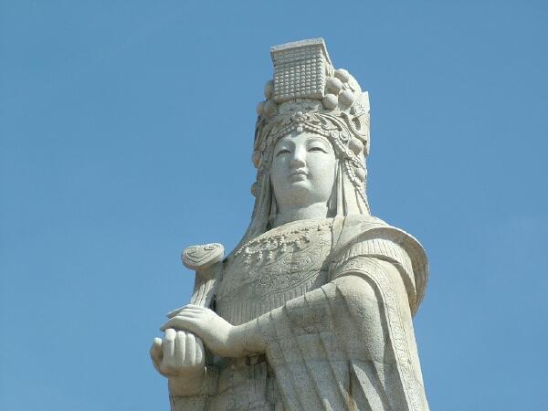 在您逛遊北港老街的時候,可知道媽祖神像可是正在俯視著您呢/玩全台灣旅遊網攝