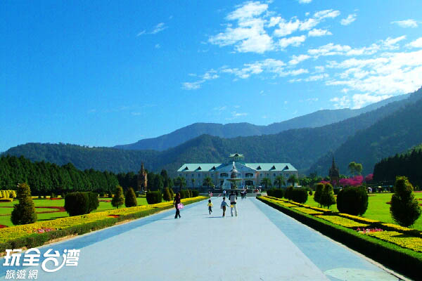 特大的幾何式花圃令人震撼/玩全台灣旅遊網攝