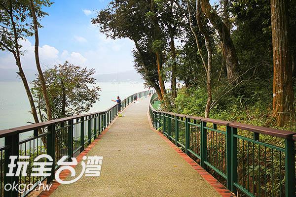 「伊達邵親水步道」連結伊達邵碼頭與日月潭纜車站/玩全台灣旅遊網攝