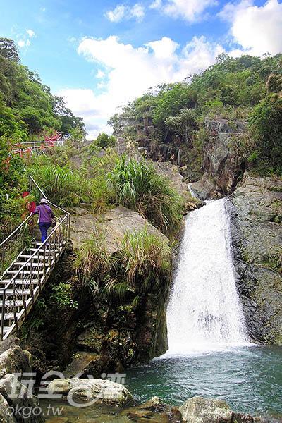 猴硐瀑布是來到礁溪不可錯過的蘭陽十八勝景之一唷!/玩全台灣旅  遊網特約記者吳明倫攝