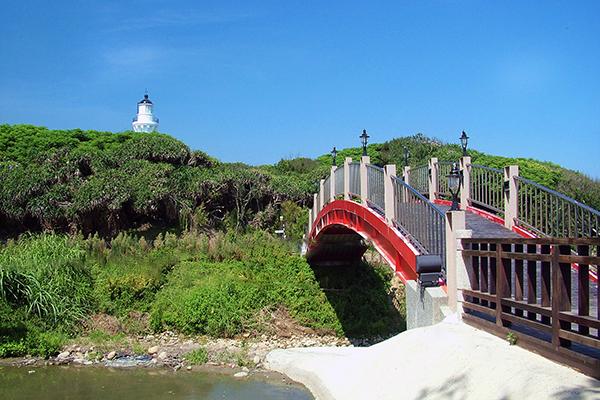 在台中港燈塔未興建前,這裡曾是全台灣最西邊的燈塔/玩全台灣旅遊網攝