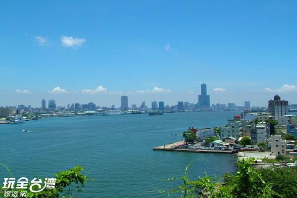 因為旗后燈塔位處旗津高處,擁有絕佳視野/玩全台灣旅遊網攝