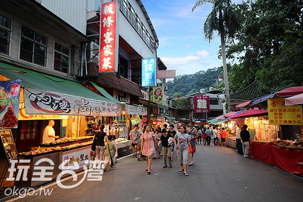 內灣老街有許多美食,其中客家粄條絕不能錯過/玩全台灣旅遊網攝