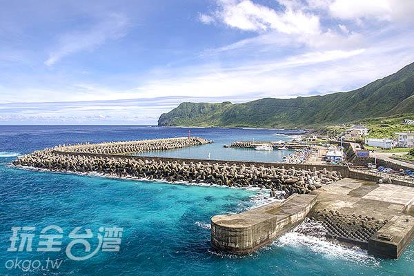 這裡是台灣蘭嶼開元港,正美/玩全台灣旅遊網特約記者陳健安攝