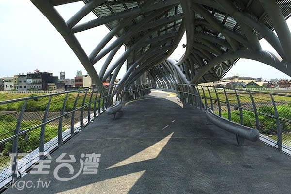 取自經典小說內的詩句而命名的女兒橋守護著北港居民/玩全台灣旅遊網特約記者Joe鄭攝